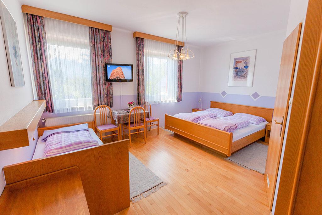 Gasthaus_Ogris_Dreibettzimmer