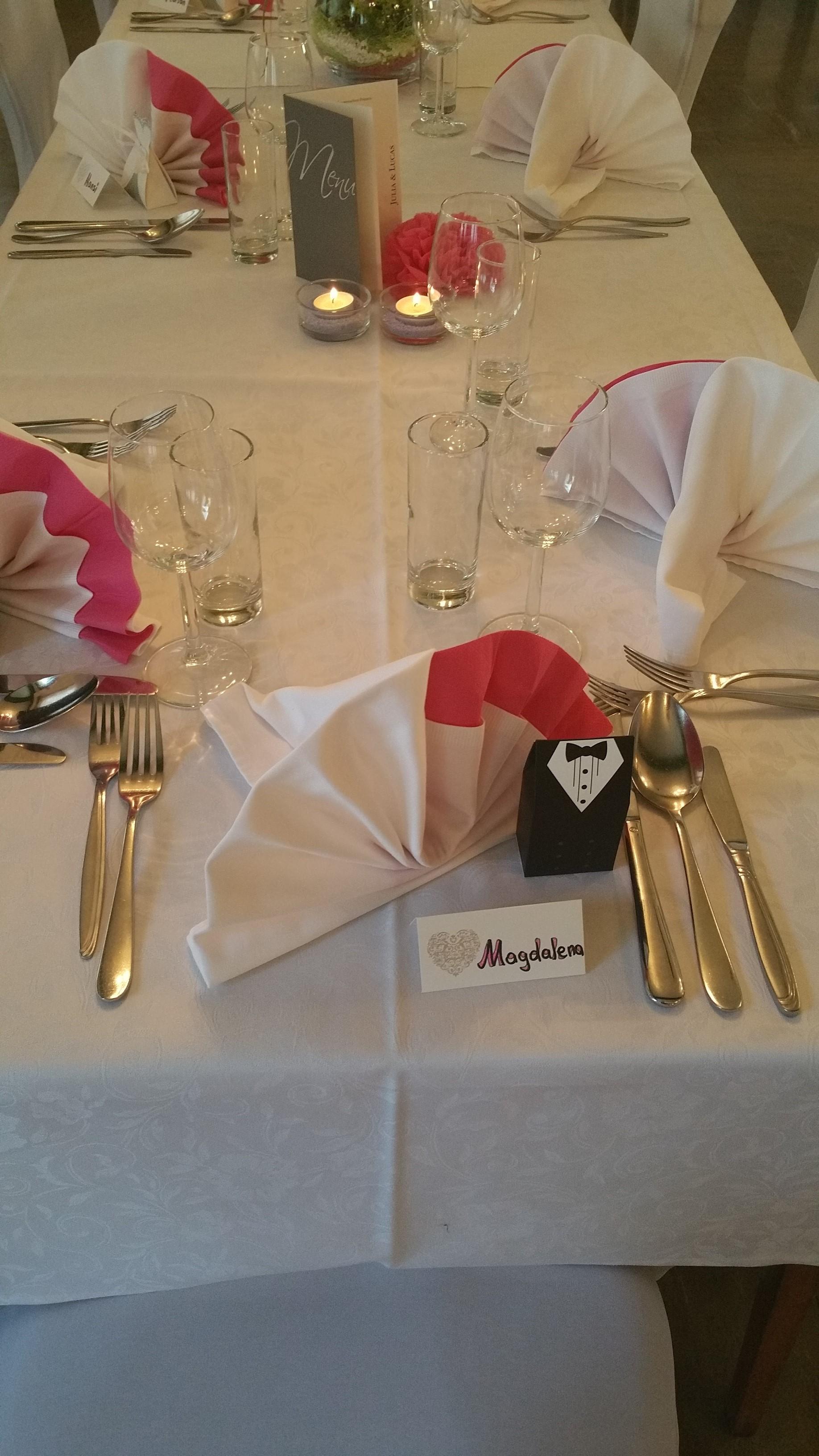 Hochzeitstafel-im-Gasthaus-Ogris